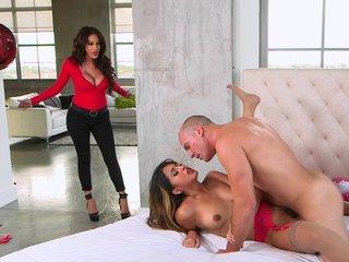 Sexy SVD threesome