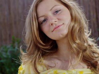 Beautiful Maria doing it for you